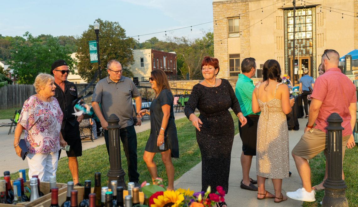 DEP Benefit Dinner is Huge Success, Raising Over $12,000 For Murals In Downtown