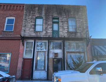 251 East Broadway photo